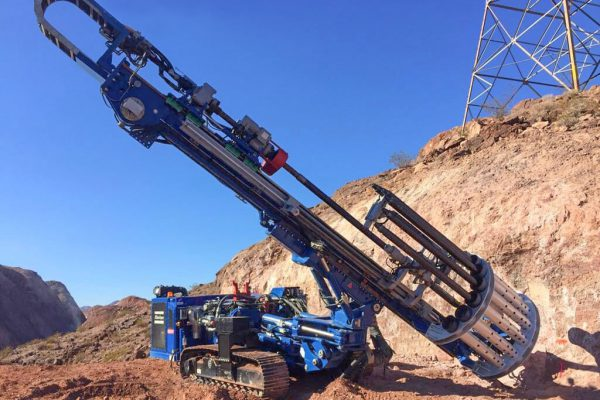 Huette HBR 610 is a hydraulic drill rig for micropiling, anchoring, soil investigation, geodrilling and particularly suited also to jet-grouting.