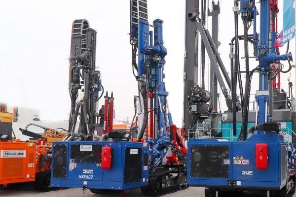 HBR 602 is a Huette hydraulic drill rig for micropiling and anchoring, soil investigation and geodrilling particularly suited also to jet-grouting.